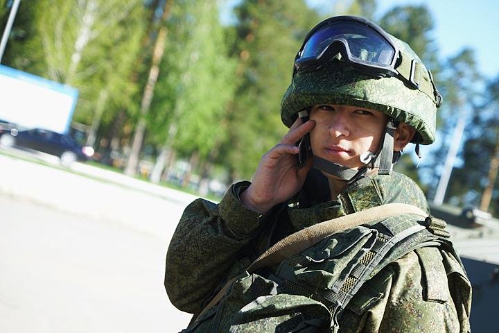 Видео солдат разделил жену с другом